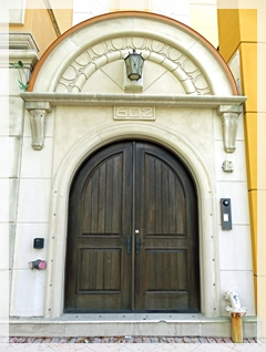 naples doorway